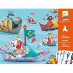 Origami - bateau sur l'eau